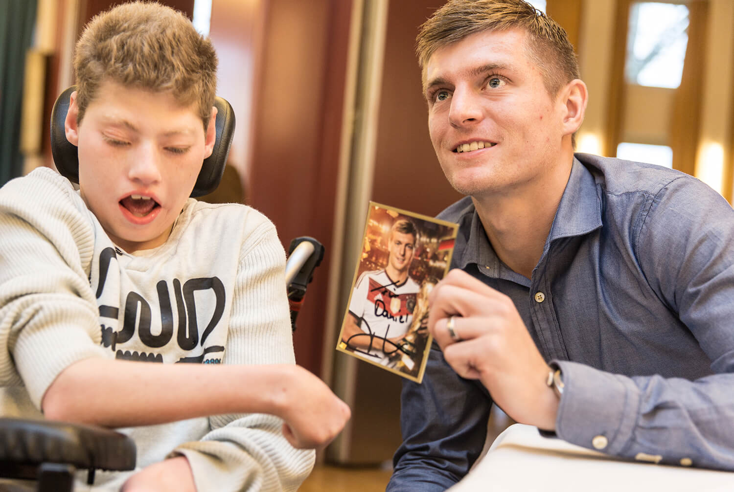 Toni Kroos and a boy
