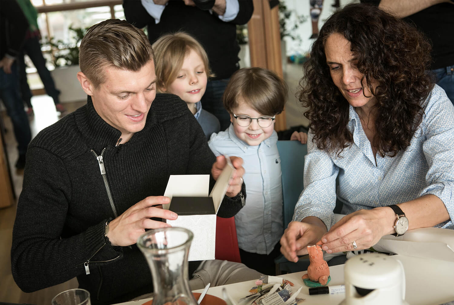 Toni Kroos with children