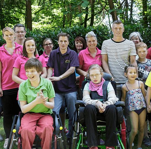 Kinder mit Toni Kroos