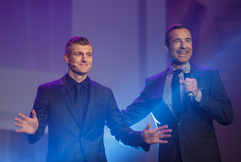 Toni Kroos und Kai Pflaume