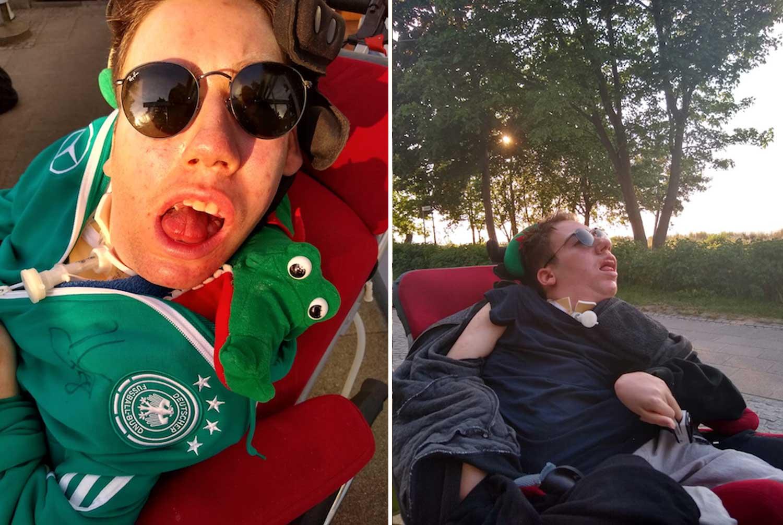 Junger Mann im Rollstuhl